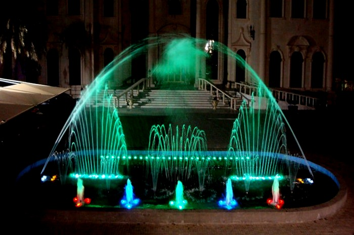Outdoor LED Lighted Colorful Music Fountain